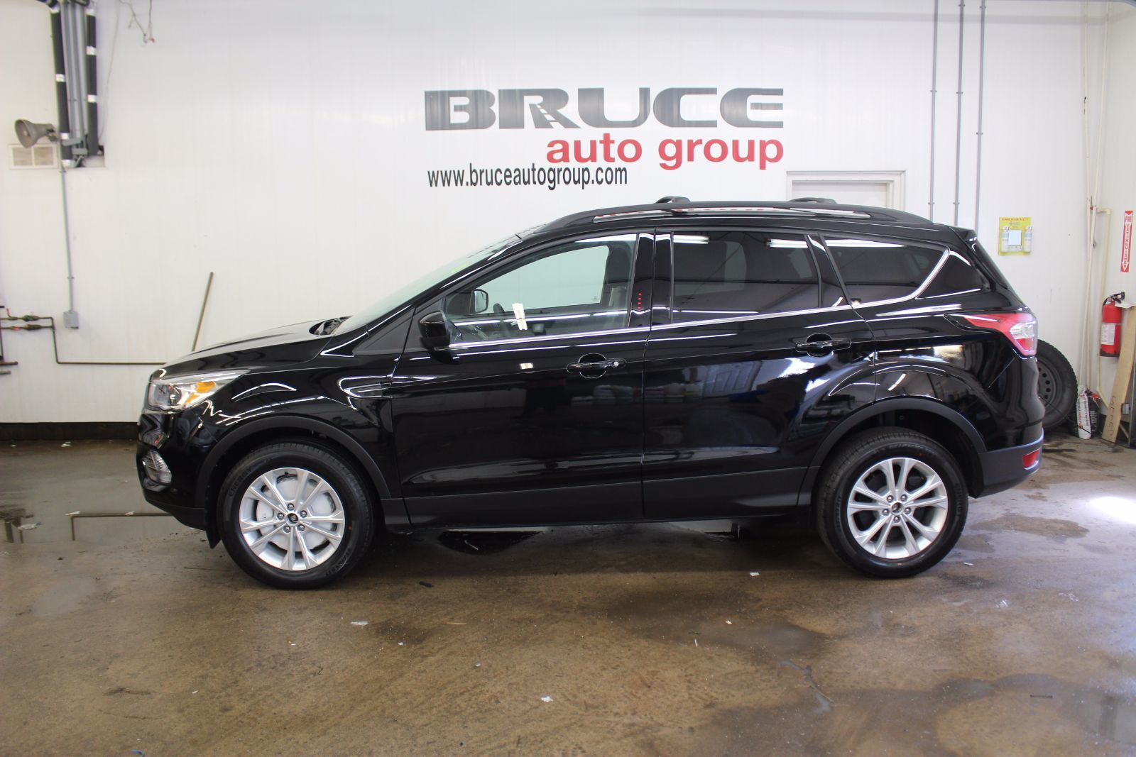 new 2017 ford escape se 1 5l 4 cyl automatic 4wd in middleton f17054. Black Bedroom Furniture Sets. Home Design Ideas