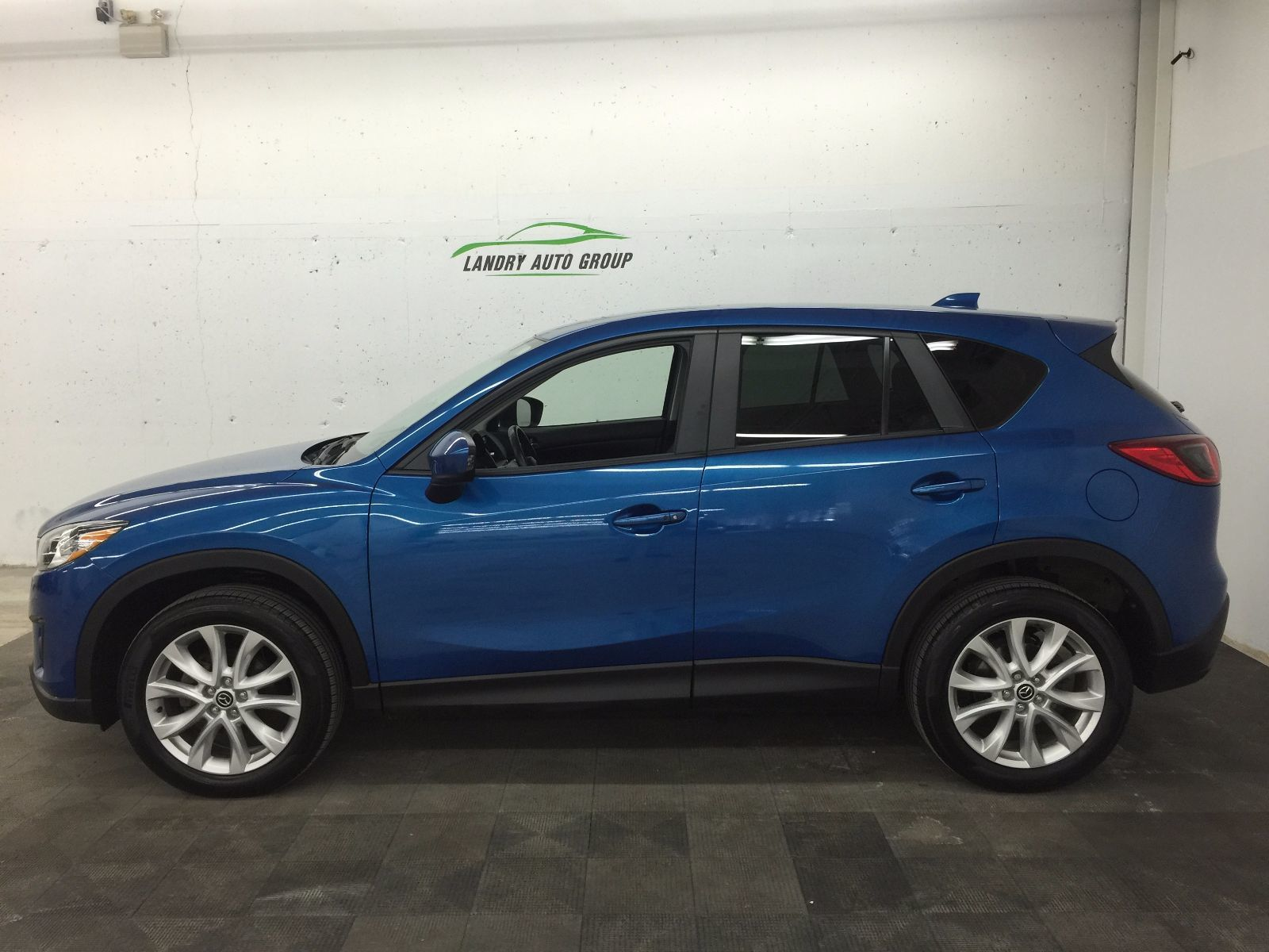 used 2013 mazda cx 5 gt in kentville used inventory kentville mazda in kentville nova scotia. Black Bedroom Furniture Sets. Home Design Ideas