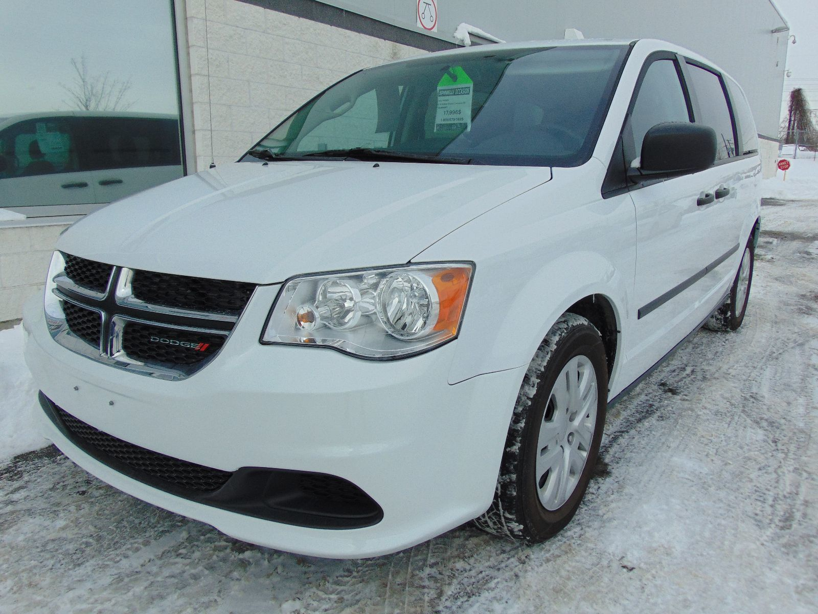 used 2016 dodge grand caravan se deal pending camera recul in montreal laval and south shore. Black Bedroom Furniture Sets. Home Design Ideas