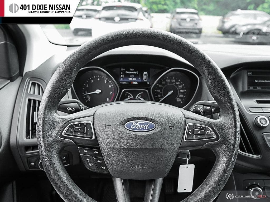 2015 Ford Focus Hatchback SE in Mississauga, Ontario - 23 - w1024h768px