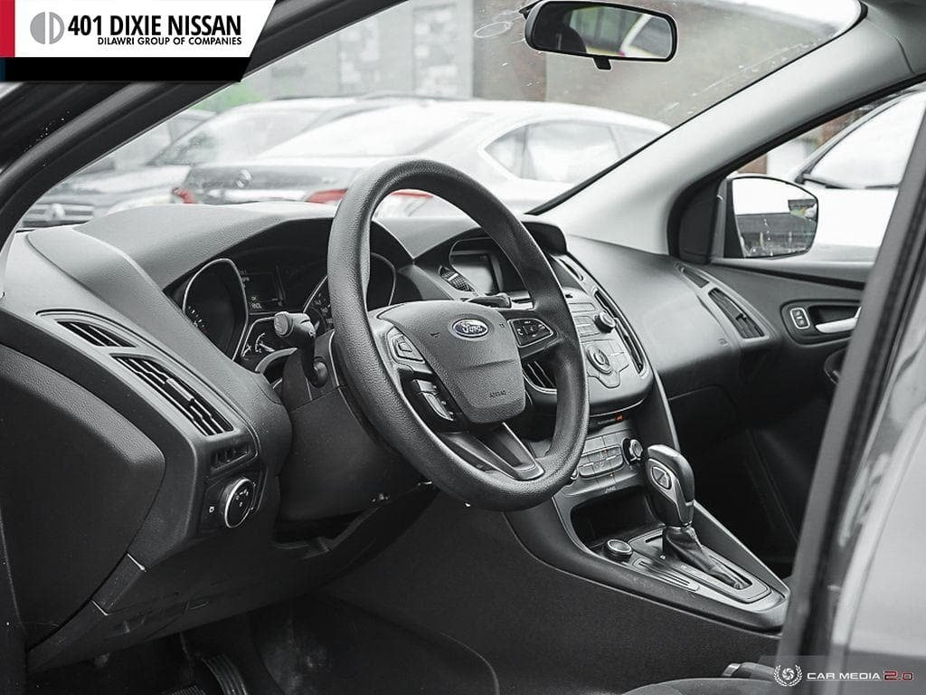 2015 Ford Focus Hatchback SE in Mississauga, Ontario - 13 - w1024h768px