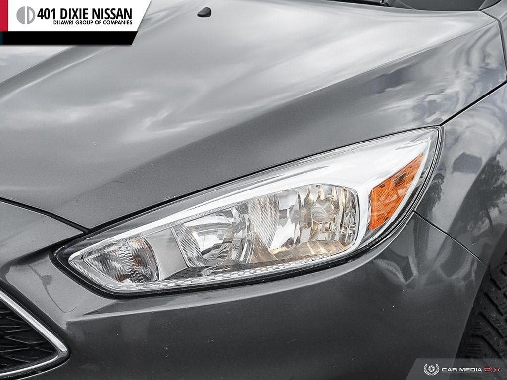 2015 Ford Focus Hatchback SE in Mississauga, Ontario - 10 - w1024h768px