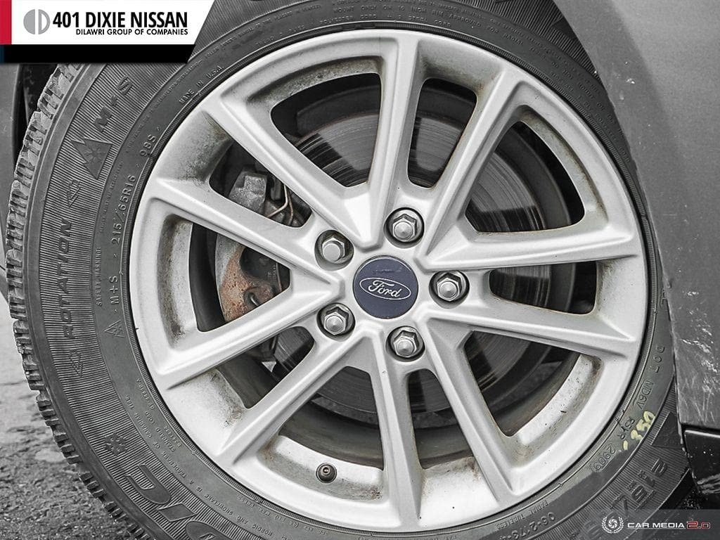 2015 Ford Focus Hatchback SE in Mississauga, Ontario - 6 - w1024h768px