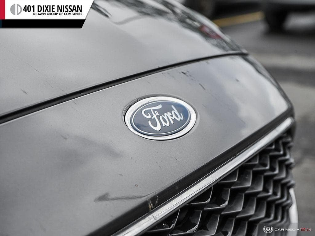 2015 Ford Focus Hatchback SE in Mississauga, Ontario - 9 - w1024h768px