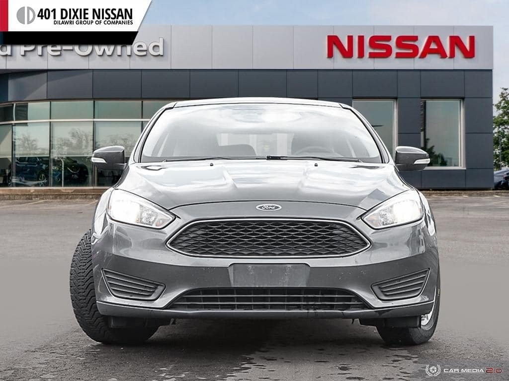 2015 Ford Focus Hatchback SE in Mississauga, Ontario - 2 - w1024h768px