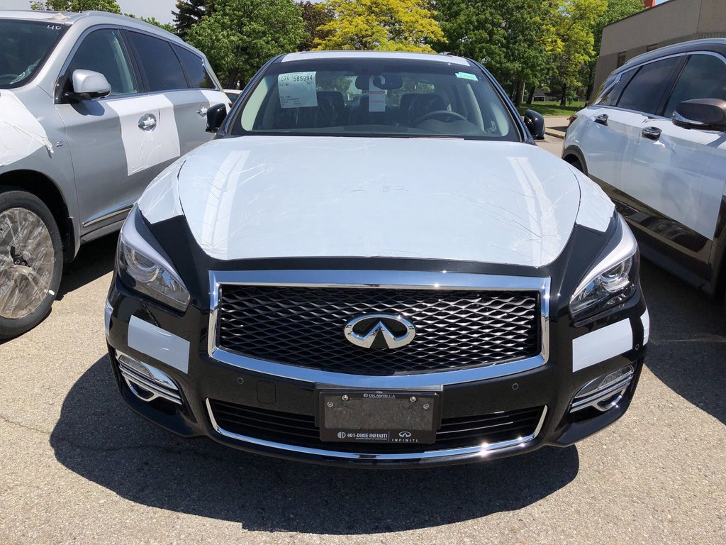 2019 Infiniti Q70 3.7 AWD Luxe in Mississauga, Ontario - 2 - w1024h768px