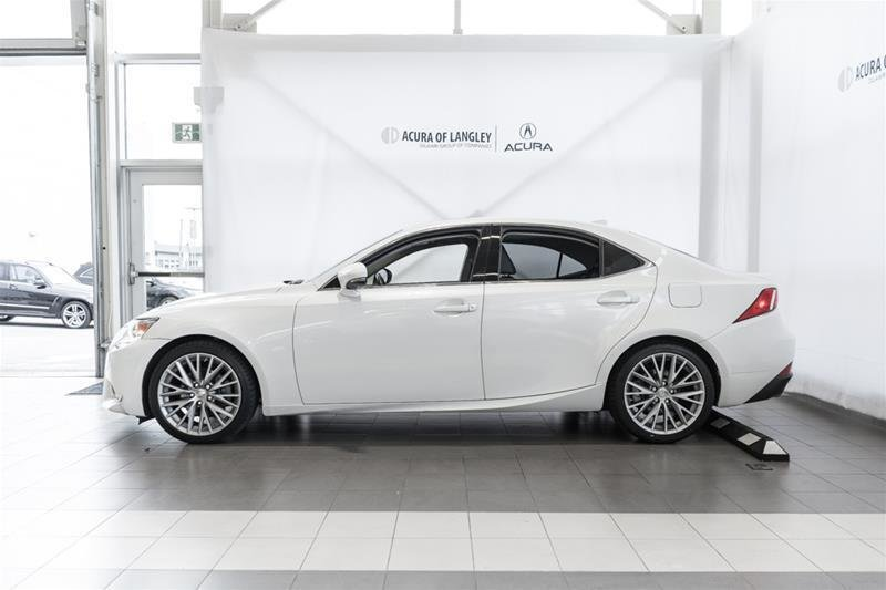 2014 Lexus IS250 AWD 6A in Langley, British Columbia - 21 - w1024h768px