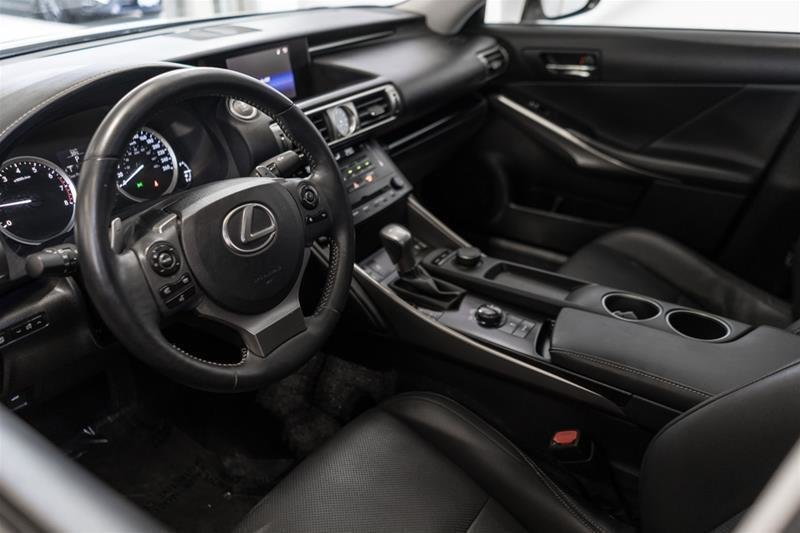 2014 Lexus IS250 AWD 6A in Langley, British Columbia - 28 - w1024h768px