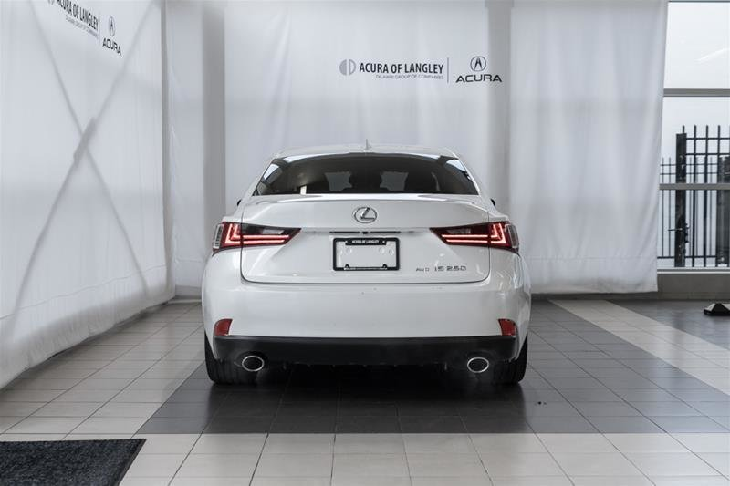 2014 Lexus IS250 AWD 6A in Langley, British Columbia - 24 - w1024h768px
