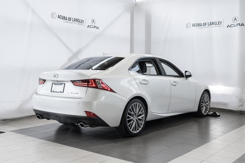 2014 Lexus IS250 AWD 6A in Langley, British Columbia - 23 - w1024h768px