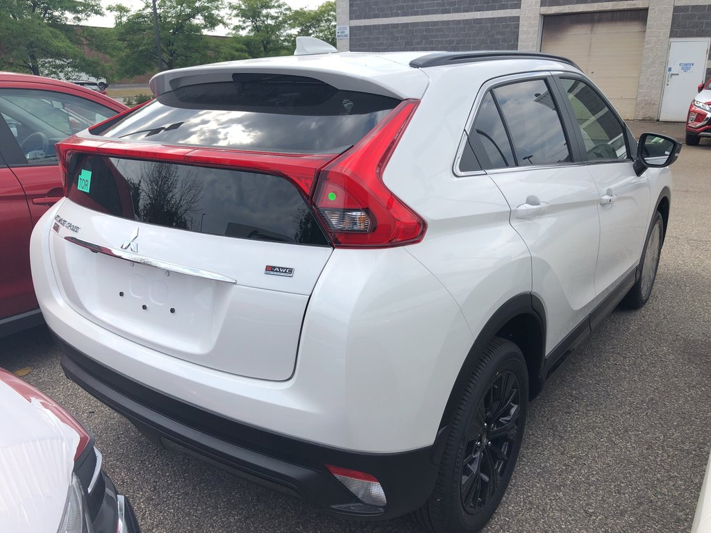 2020 Mitsubishi ECLIPSE CROSS Limited Edition S-AWC in Mississauga, Ontario - 3 - w1024h768px