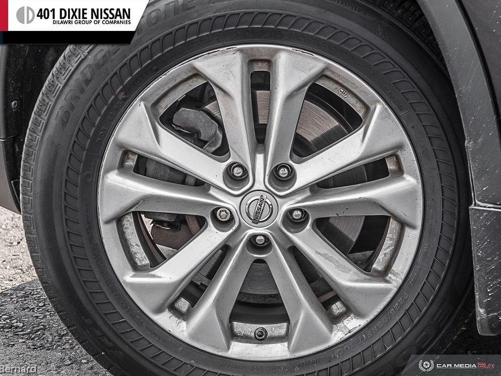 2014 Nissan Rogue SV AWD CVT in Mississauga, Ontario - 6 - w1024h768px