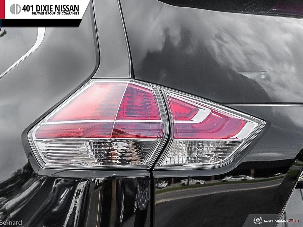 2014 Nissan Rogue SV AWD CVT in Mississauga, Ontario - 12 - w1024h768px