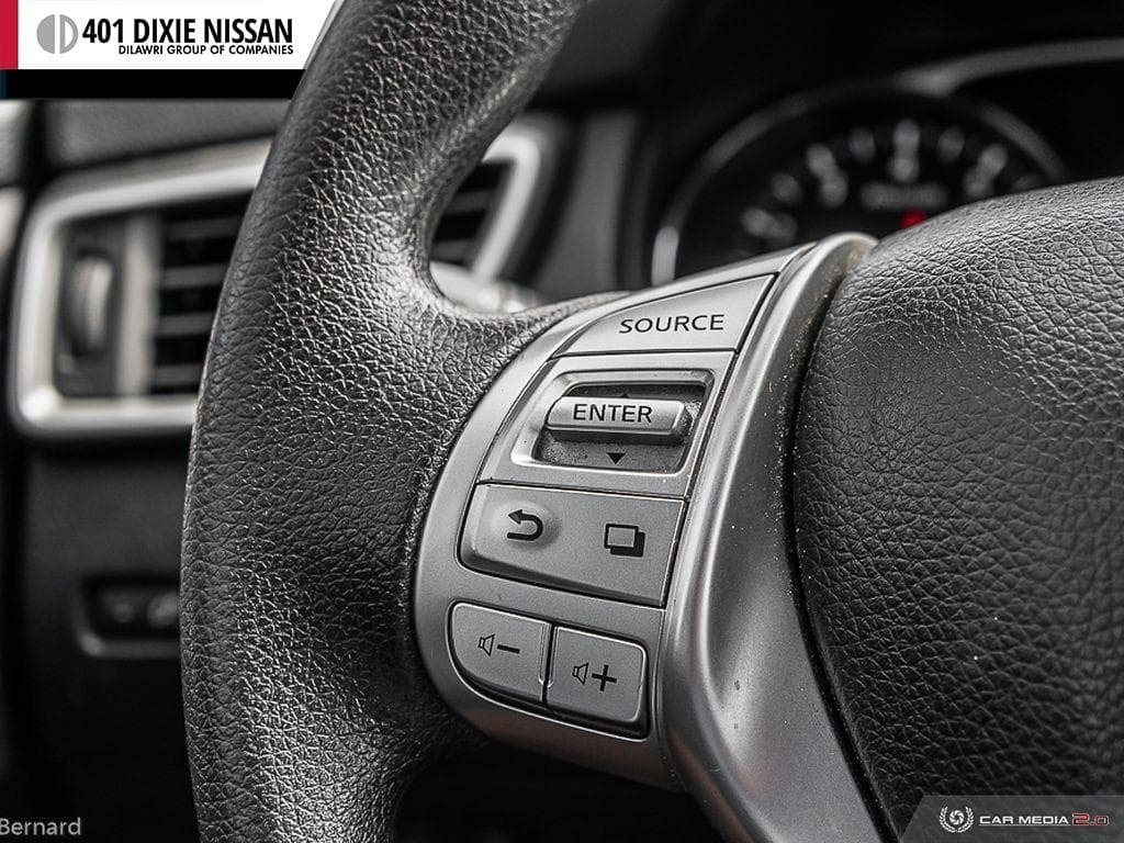 2014 Nissan Rogue SV AWD CVT in Mississauga, Ontario - 18 - w1024h768px