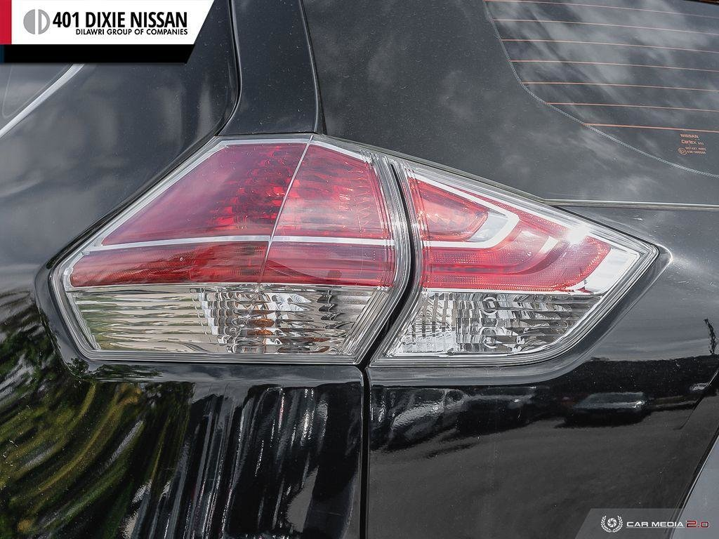 2015 Nissan Rogue S FWD CVT in Mississauga, Ontario - 12 - w1024h768px