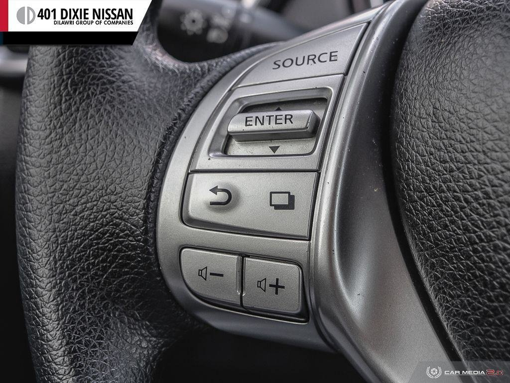 2015 Nissan Rogue S FWD CVT in Mississauga, Ontario - 18 - w1024h768px