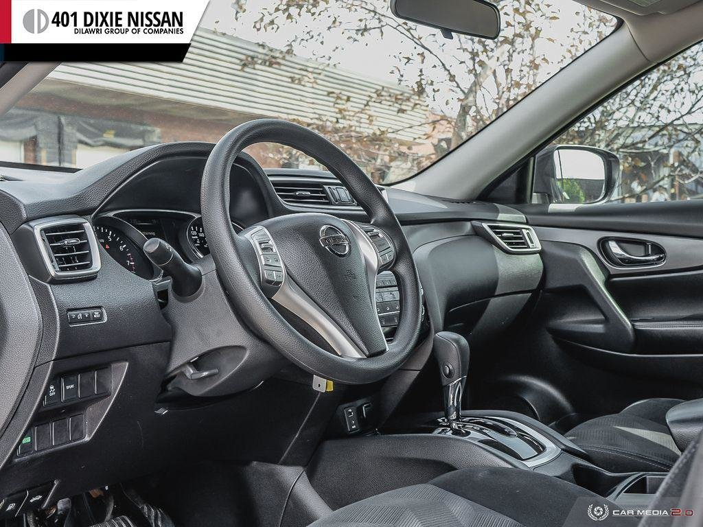 2015 Nissan Rogue S FWD CVT in Mississauga, Ontario - 13 - w1024h768px