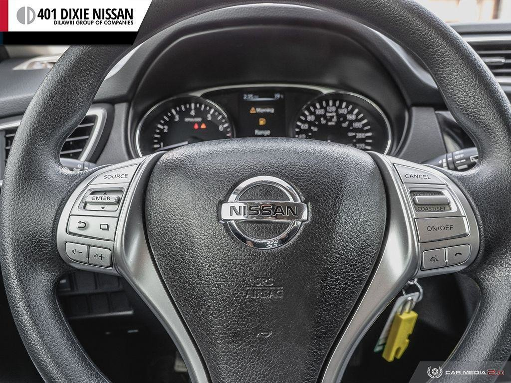2015 Nissan Rogue S FWD CVT in Mississauga, Ontario - 14 - w1024h768px