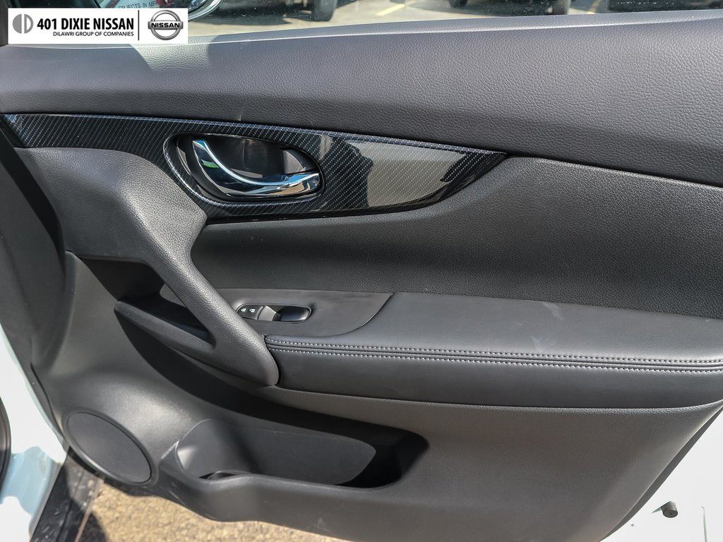 2019 Nissan Rogue SL AWD CVT in Mississauga, Ontario - 17 - w1024h768px