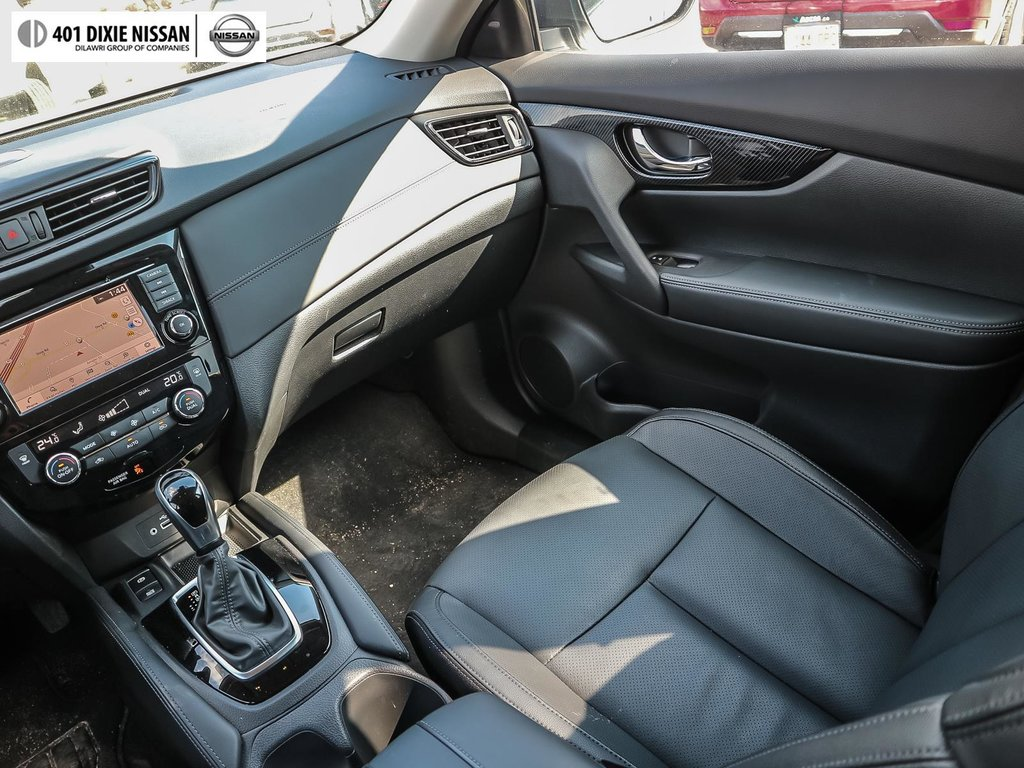 2019 Nissan Rogue SL AWD CVT in Mississauga, Ontario - 15 - w1024h768px