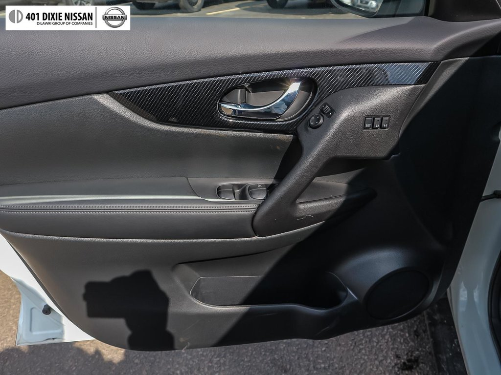 2019 Nissan Rogue SL AWD CVT in Mississauga, Ontario - 9 - w1024h768px