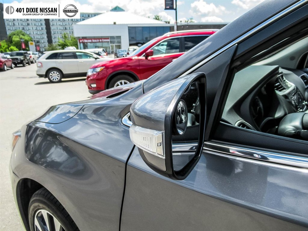 2017 Nissan Sentra 1.6 SR Turbo 6sp in Mississauga, Ontario - 44 - w1024h768px
