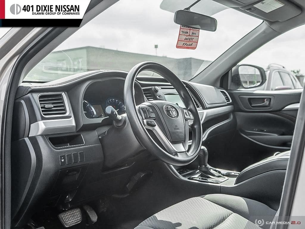 2014 Toyota Highlander LE AWD in Mississauga, Ontario - 11 - w1024h768px