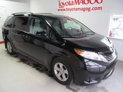 Toyota Sienna LE 8 PASSAGERS (89700 KM)  2012
