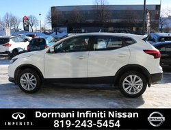 Nissan Qashqai SV AWD, CAMERA, NISSAN CERTIFIED. RATE FROM 2.49%  2018