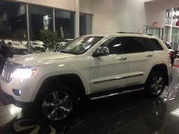 2011 Jeep Grand Cherokee Overland-navi-toit pano - 8 roues IMPECCABLE