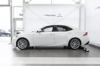 2014 Lexus IS250 AWD 6A in Langley, British Columbia - 4 - w320h240px