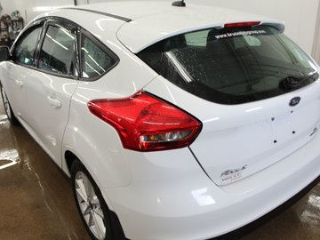 2016 Ford Focus SE 2.0L 4 CYL AUTOMATIC FWD 5D HATCHBACK