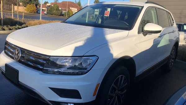 2018 Volkswagen Tiguan COMFORT 2.0 TSI 184HP 8SP AUTO TIP 4-MO WITHOUT SUNROOF