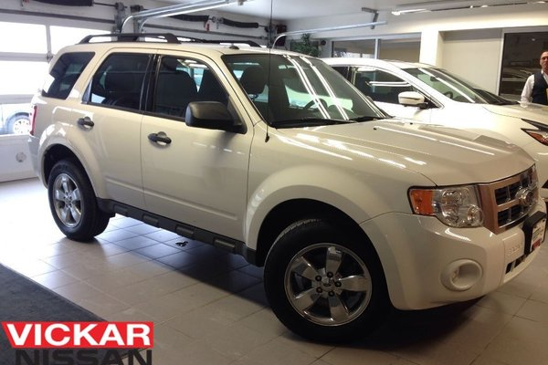 2011 Ford Escape XLT/V6/4X4/1 OWNER LOCAL TRADE/ LOW LOW KMS!!!