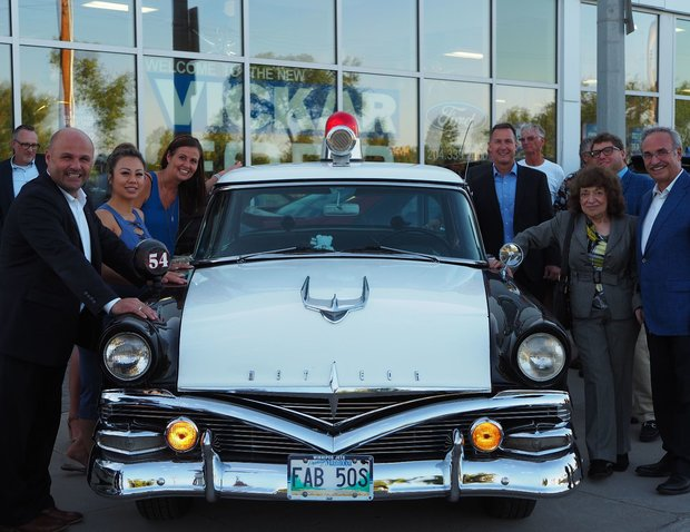 OVER 350 ATTEND VICKAR FORD GRAND OPENING
